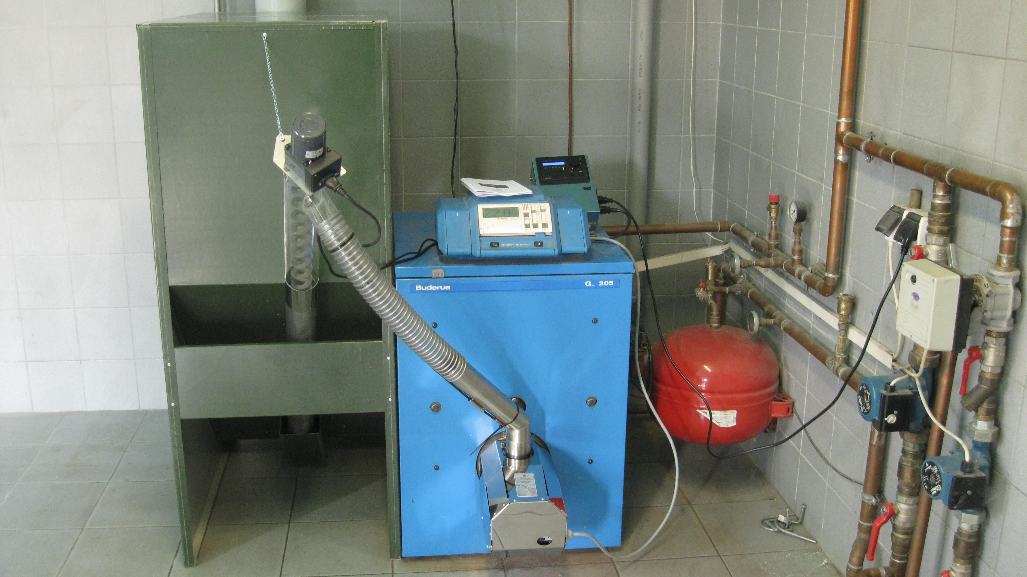 Bruciatore di pellet per conversione caldaie da gasolio a pellet - Caldaia a pellet da esterno prezzi ...